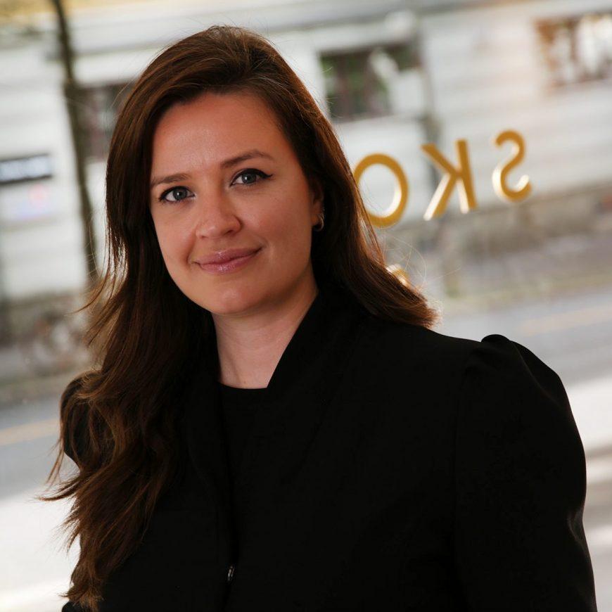 Julie Langseth <br />Daglig leder (permisjon fra juli)